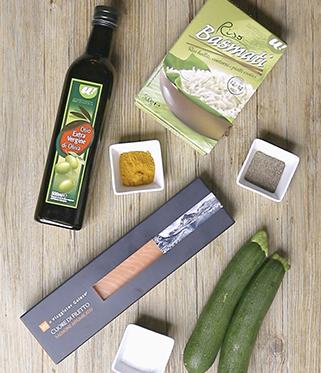Tartare di salmone affumicato, zucchine e riso basmati